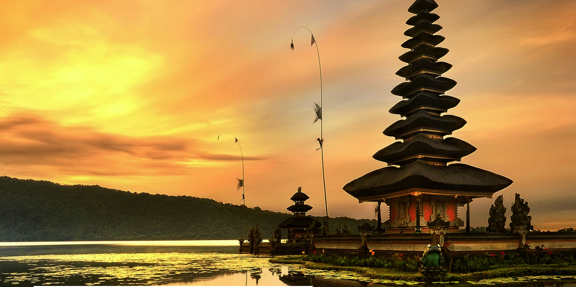 Bali-eda-sofia-crossingsolo